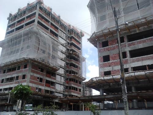 Em Constru